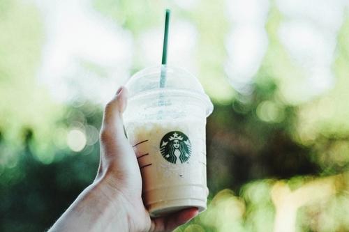 Starbucks Goodbye Plastic Straws